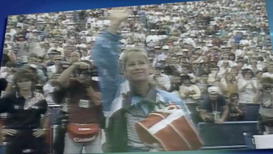 play video 50 Moments That Mattered: Evert ends her storied career in NY